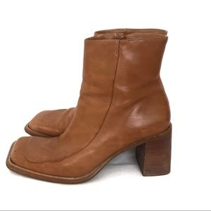 Vintage BP Leather Heeled Boots Square Toe 1970s